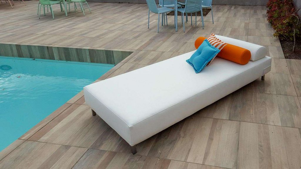 small outdoor daybed
